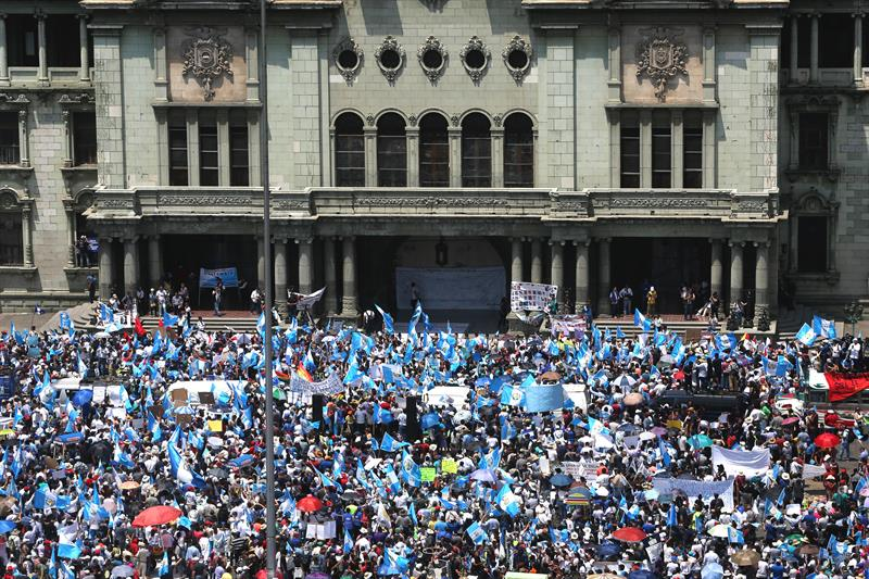Civil sectors will ask with protest the resignation of the president of Guatemala